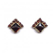 EARRINGS GARNET 3753