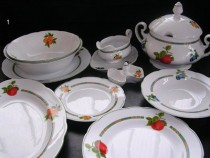 Mary Anne 80H dining set 27 piece.