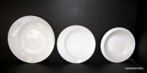 A set of plates Future 18 piece white.