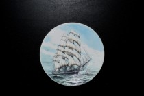 "Plate ornament hanging, motif clipper ""CUTTY SARK""."
