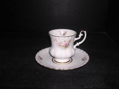 Cup and saucer cocoa 111uni