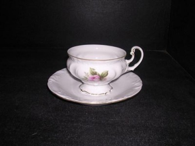 Cup and saucer tea Thun 466
