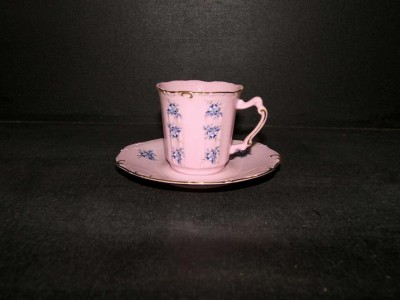 Cup and saucer Amis 09 0.15 ml. pink