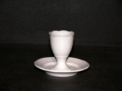 Egg cup with stand 7.5 cm. 6pcs