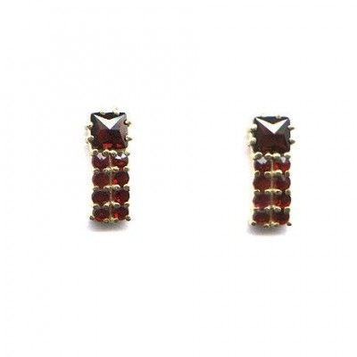 EARRINGS GARNET 3917